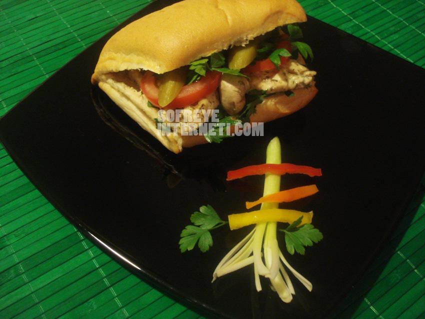 ساندویچ مرغ و جمعه بازار